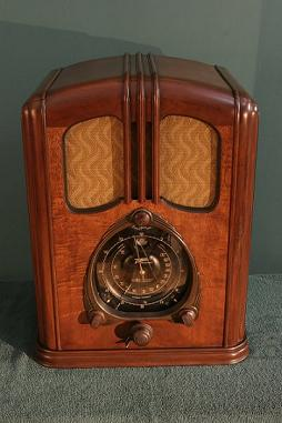 Displaced In Time Radio - Remembering The Golden Age of Radio & Historical Events